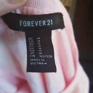 Forever 21 Tops - Forever 21 pink moody t shirt
